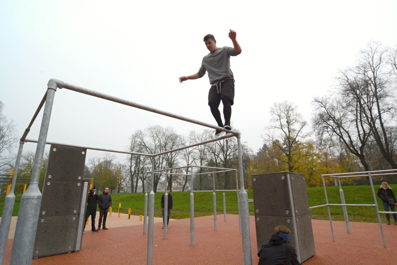 První parkourové a workoutové hřiště v Hradci Králové