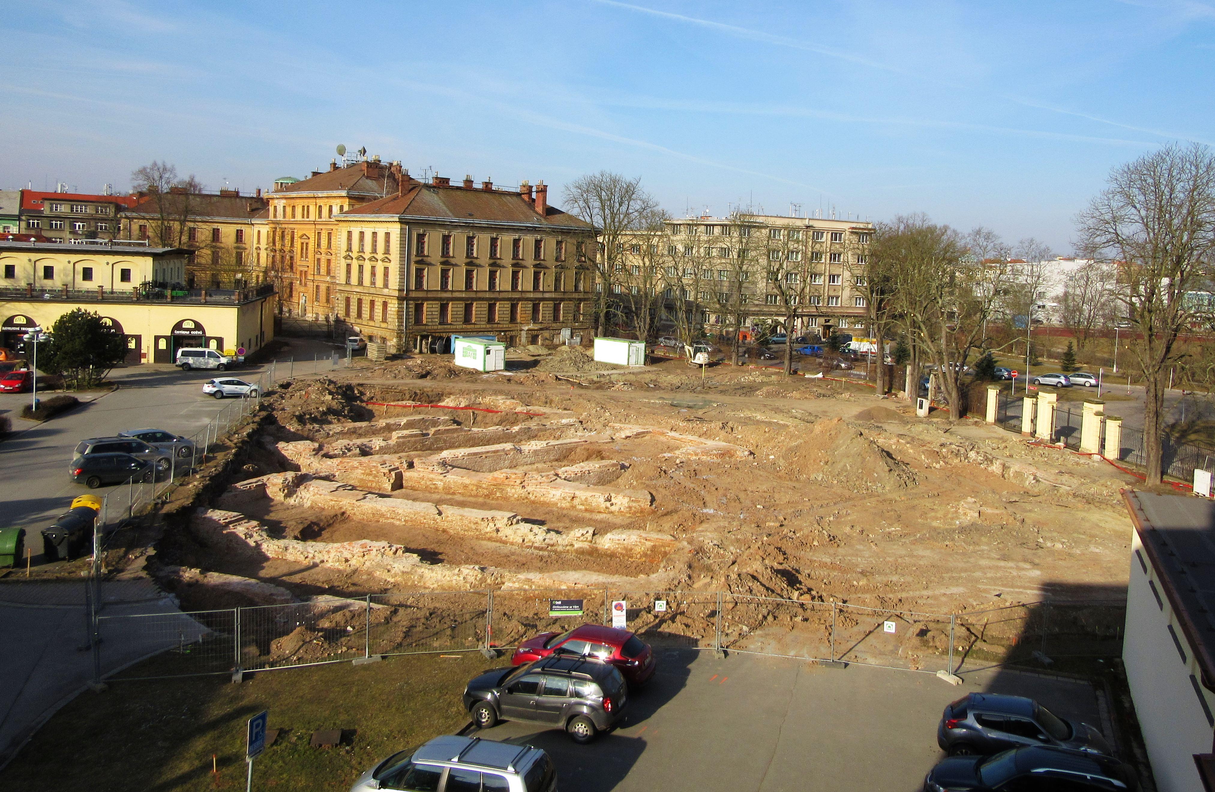 Archeologům se podařilo v Hradci Králové odkrýt část bývalého kavalíru