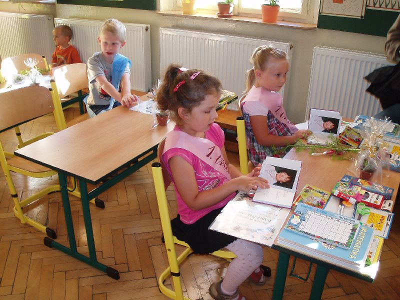 Prvňáky v Želízech přivítala  ve škole Livie Klausová