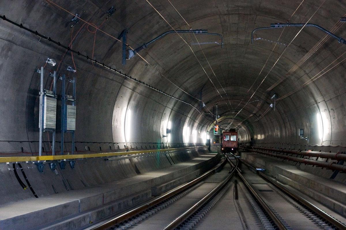 Gotthardský úpatní tunel