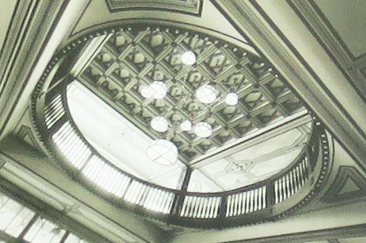 Lustr od Josefa Gočára ve Wankeově domě v Jaroměři