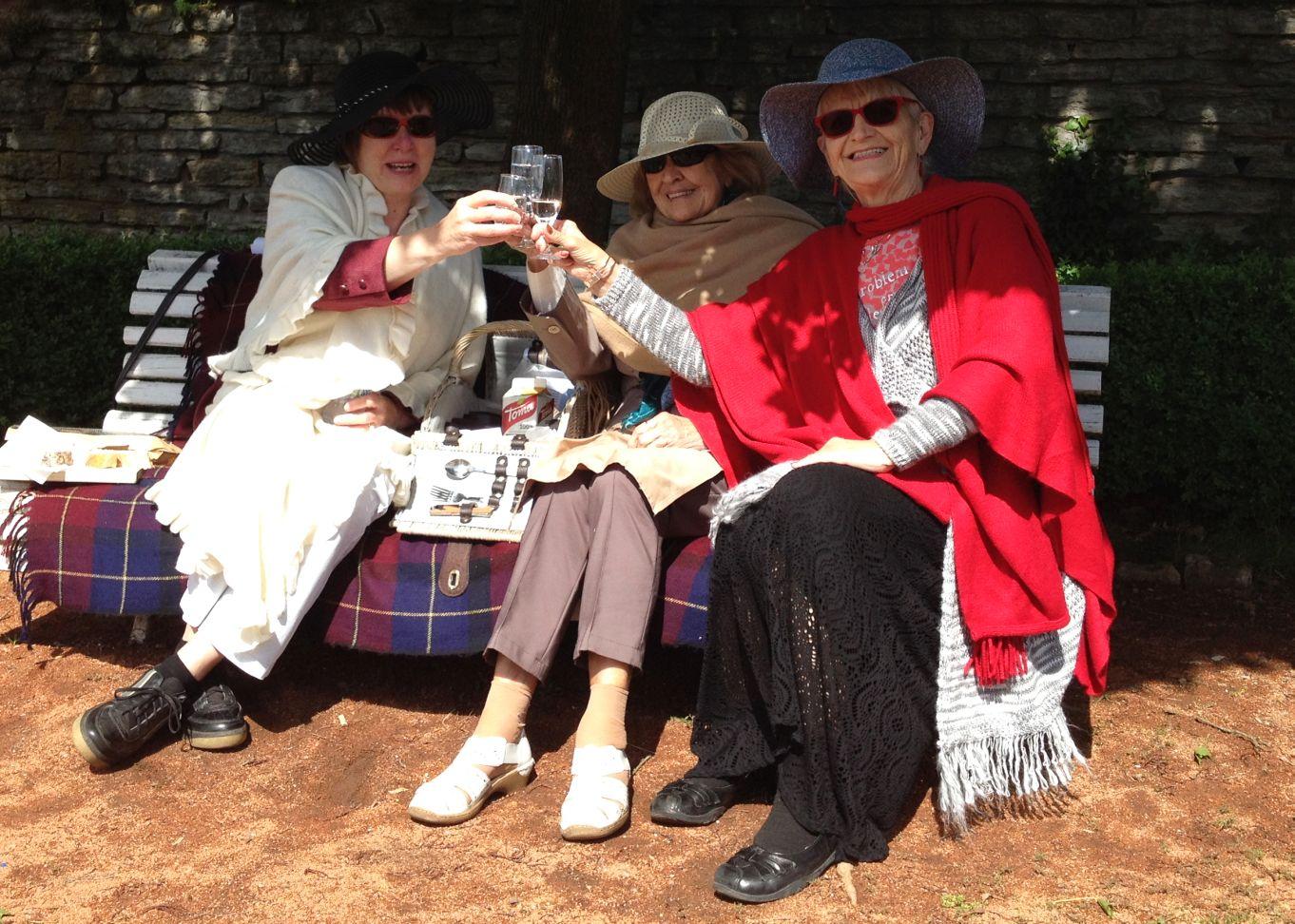 Piknik v zámecké zahradě mohou prožít v Novém Městě nad Metují všechny romantické duše