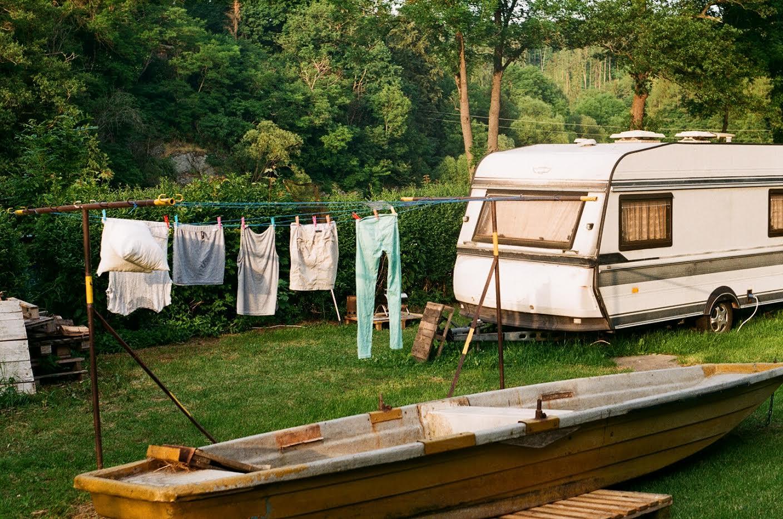 Cestování - posázaví - výlet -karavan - osmdesátky