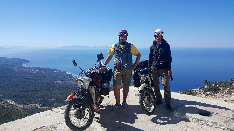 Výhled na moře z vrcholků albánských hor