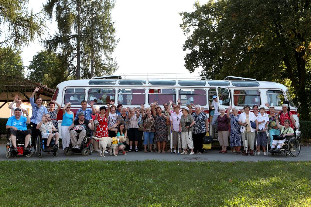 Spolek Hurá na Výlet! je nezisková organizace, která realizuje volnočasové aktivity pro seniory 65let+ a osoby ZTP – výlety a kulturní akce spojené s informačně osvětovou činností