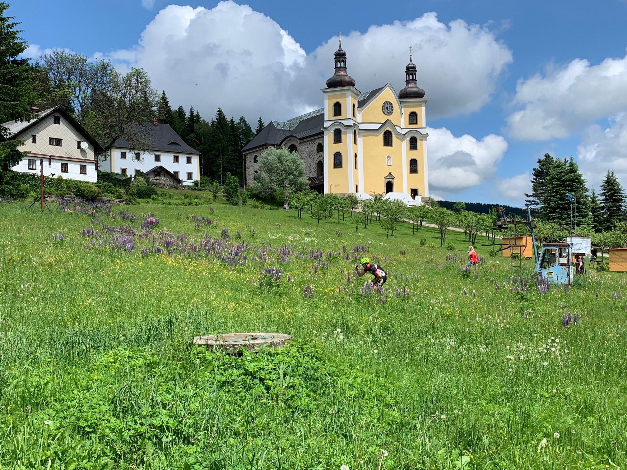Neratov v Orlických horách je dnes turisty vyhledávané místo