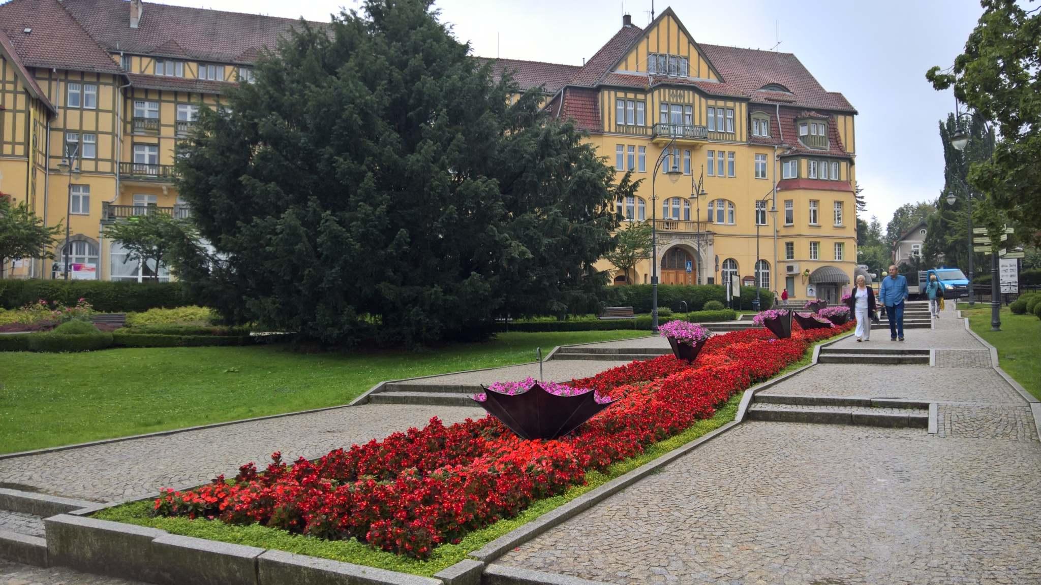 Lázeňské městečko Kudowa Zdrój leží hned za hranicí s Českem