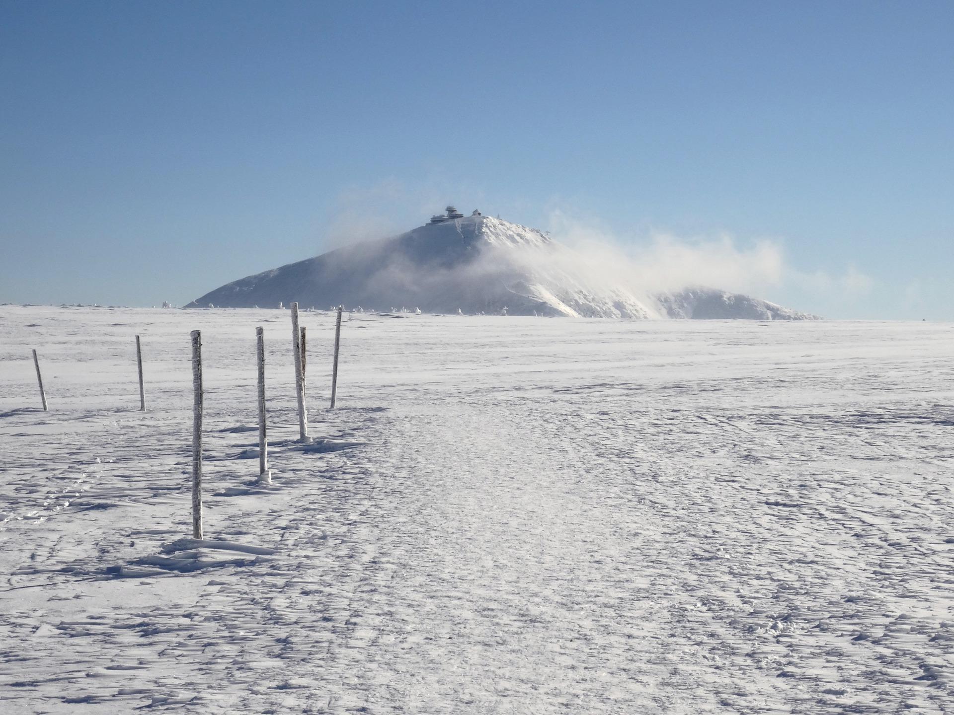 Sněžka a Krkonoše v zimě