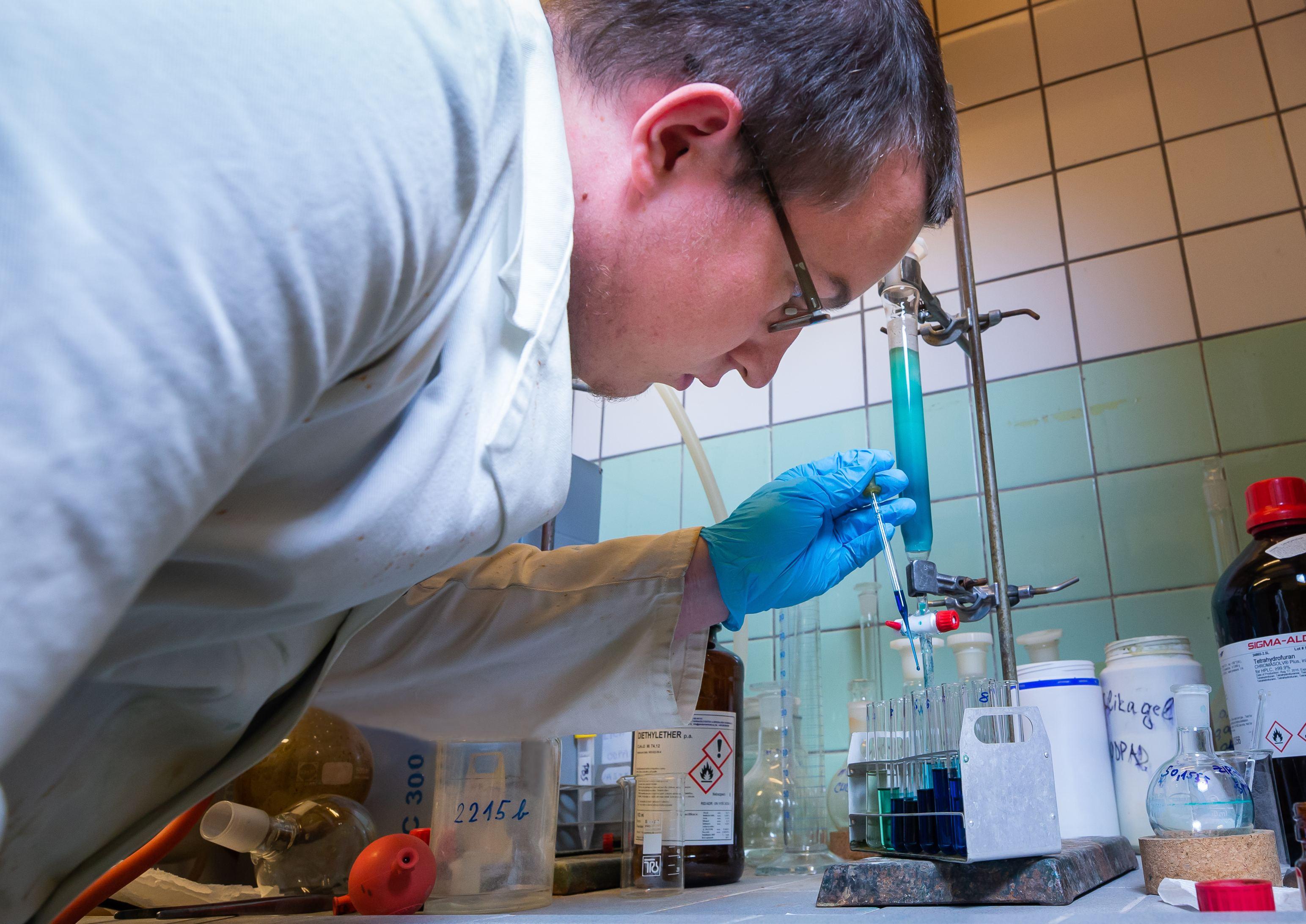Studium Farmaceutické fakulty Univerzity Karlovy patří k nejtěžším v celé České republice