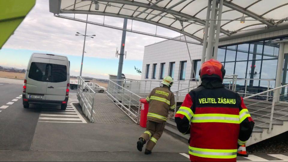 Hasiči na pražském letišti Václava Havla musí zvládnout vyjet za 45 vteřin