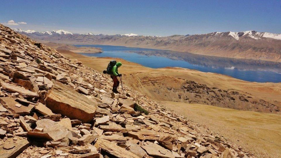 Sestup z prozatím nejvyšší dobyté šestitisícovky Chamser Kangri (6622 m), Himálaj