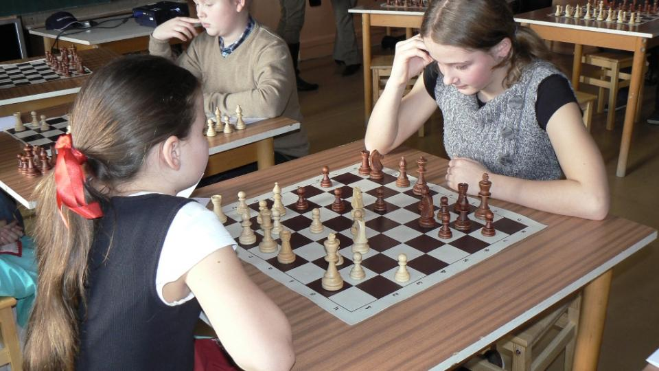 Šachová partie v buštěhradské šachové škole
