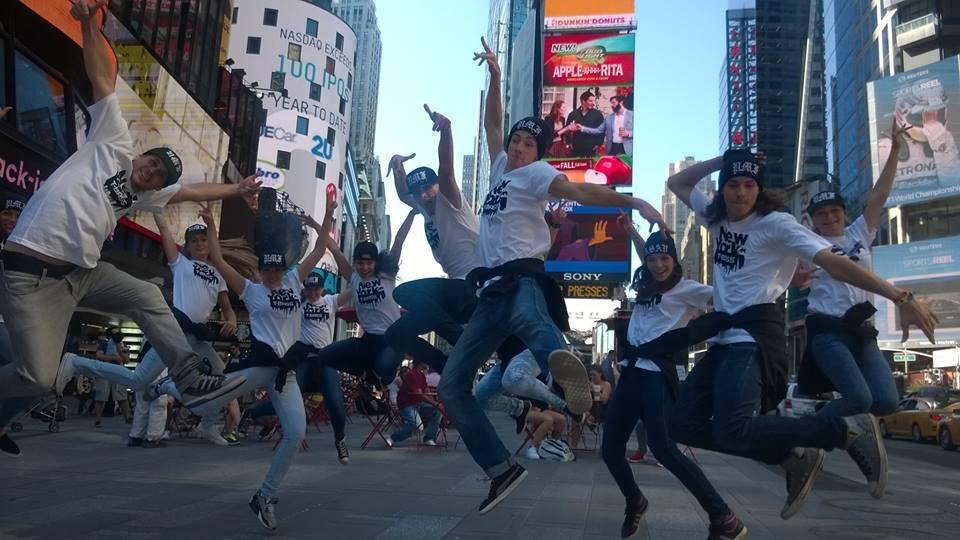 Královéhradecká skupina T-BASS roztančila Times Square v New Yorku