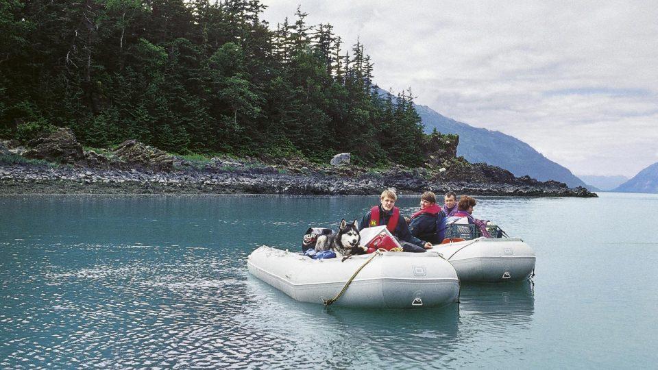 Leoš Šimánek - v nafukovacích člunech podél pobřeží Kanady a Aljašky