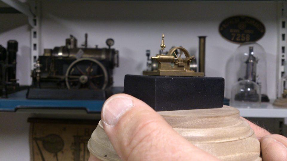 Miniaturní parní stroj