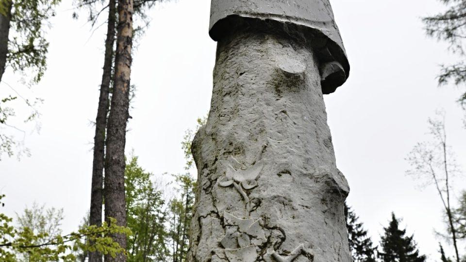 Kámen z původního hrobu generála Gablenze ve Švýcarsku