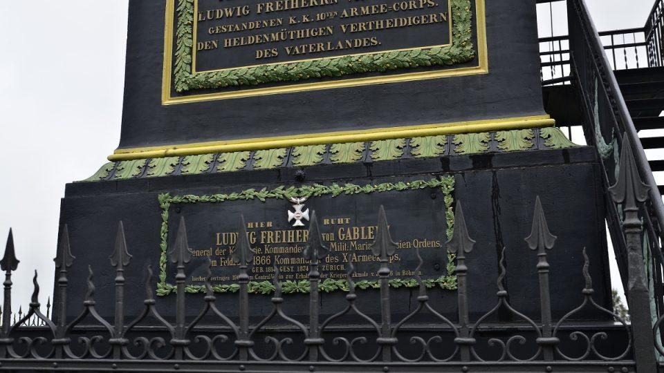Pomník s kryptou a ostatky generála Gablenze