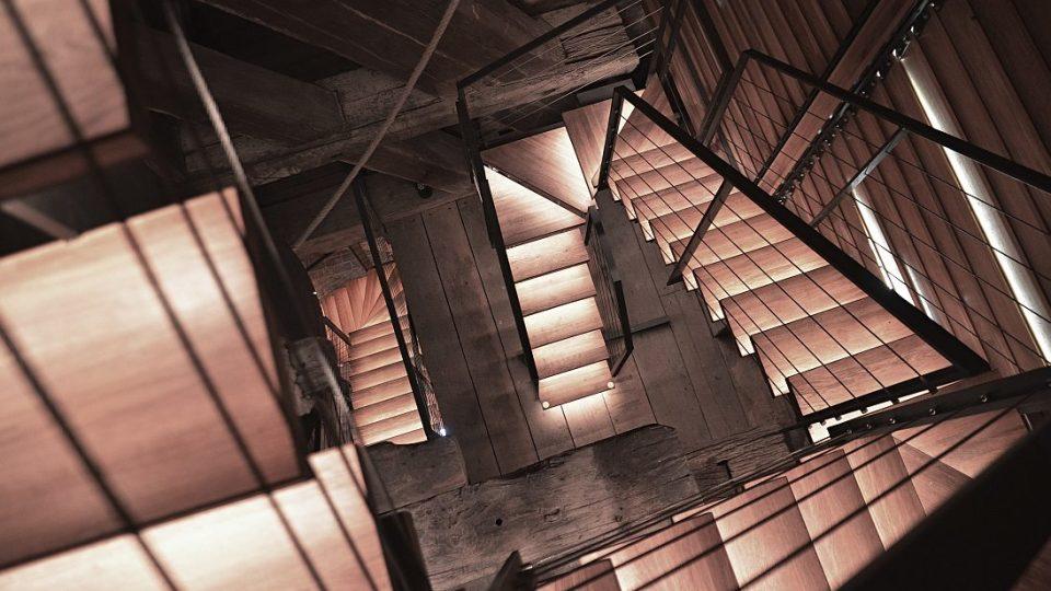 Nové schodiště v Bílé věži