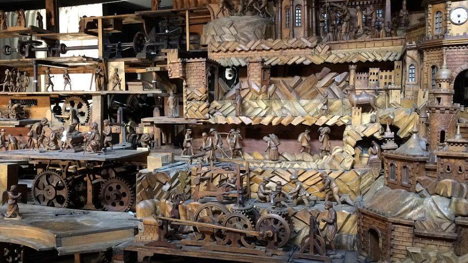 Slavný Proboštův betlém v Třebechovicích pod Orebem odborníci rozebírají na kousky