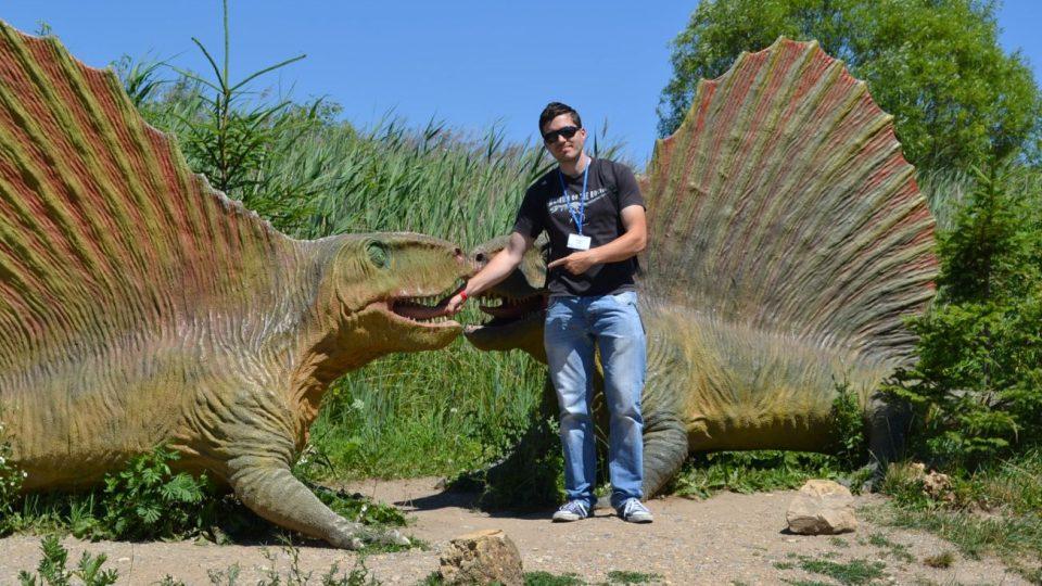Mgr. Vladimír Socha - Jaké stopy zanechali dinosauři na našem území? Jací dinosauři se procházeli v okolí Náchoda?