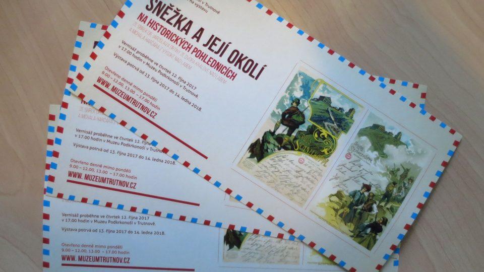 Pozvánka na výstavu s názvem Sněžka a její okolí na historických pohlednicích