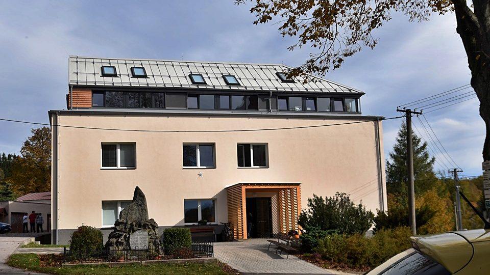 Základní škola Trivium plus v Dobřanech v Orlických horách baví žáky, učitele i rodiče