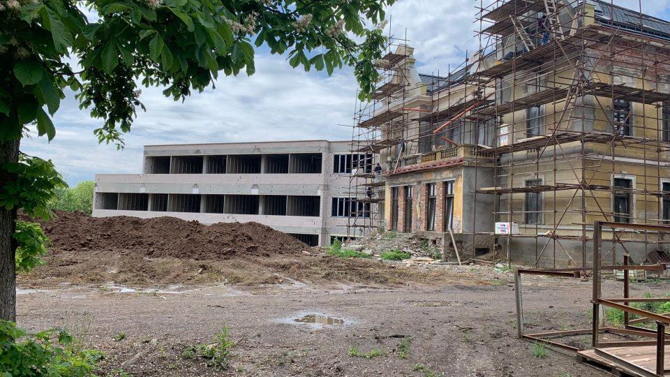 Stavební úřad ve Dvoře Králové řeší případ nepovolené stavby soukromého zdravotnického zařízení