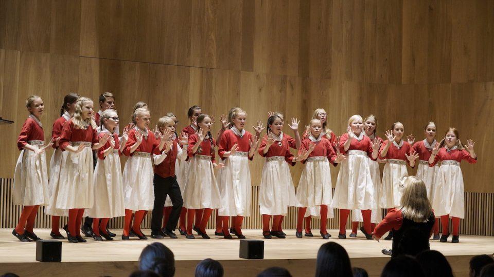 Estonský dívčí rozhlasový sbor Lastekoor Laulasmaal