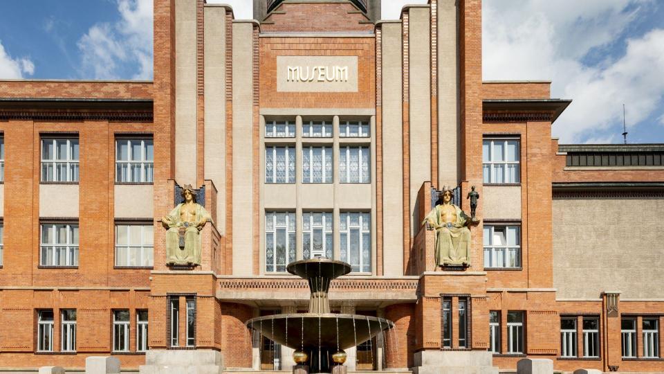 Secesní budova Muzea východních Čech v centru Hradce Králové prošla opravou za 100 milionů korun
