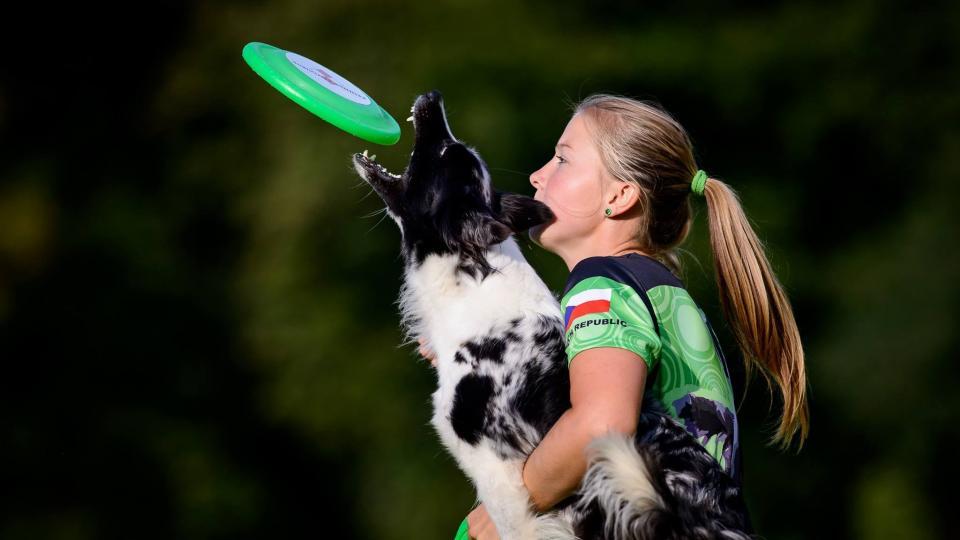 Alena Smolíková - vítězka ankety Kynolog roku 2018 - kategorie Dogdancing a Mistr Evropy v Bikejöringu a dalších kategoriích