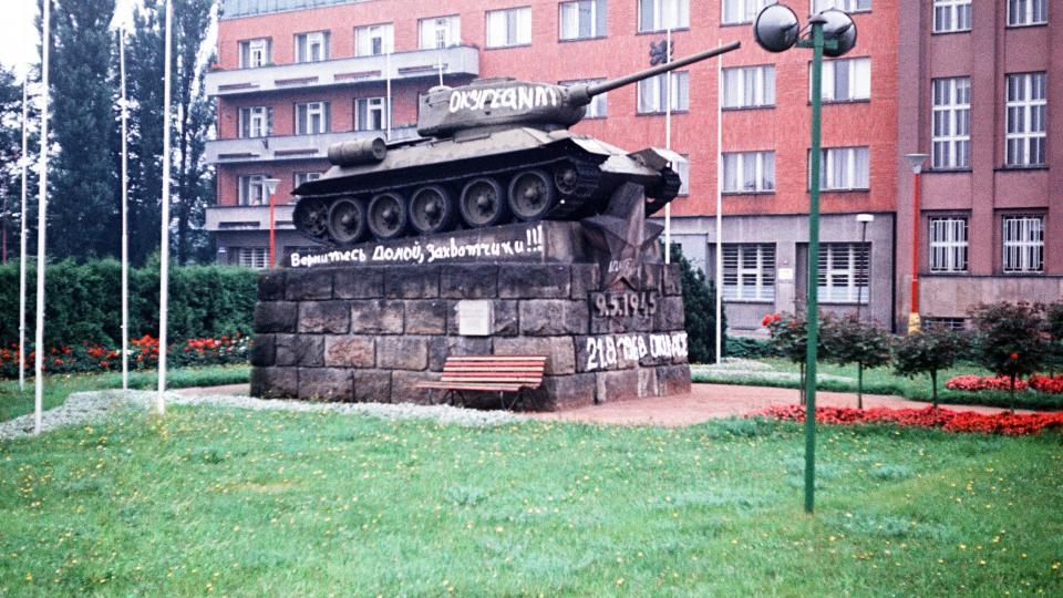 Srpen 1968 v Hradci Králové - symbol osvobození i okupace