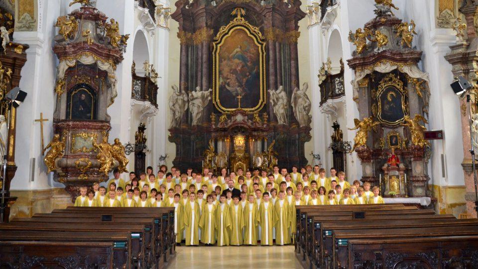 Boni Pueri v kostele Nanebevzetí Panny Marie v Hradci Králové