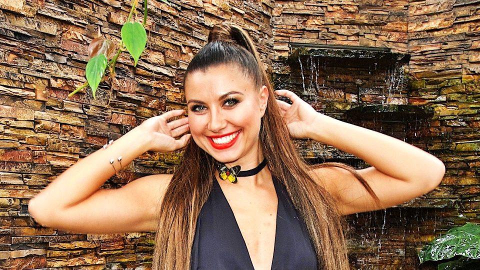 Modelka Veronika Lálová a šperky z motýlů