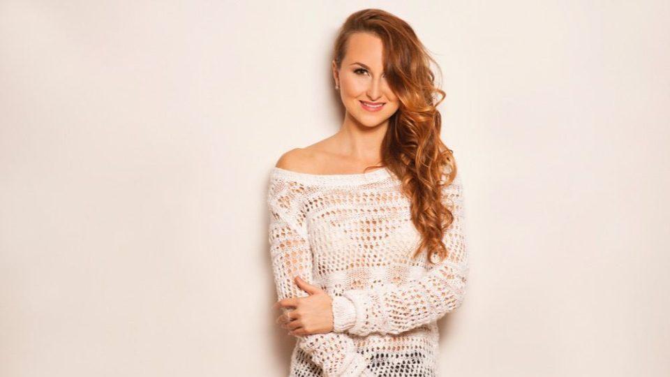 Ella alias Eliška Machačová, zpěvačka a herečka