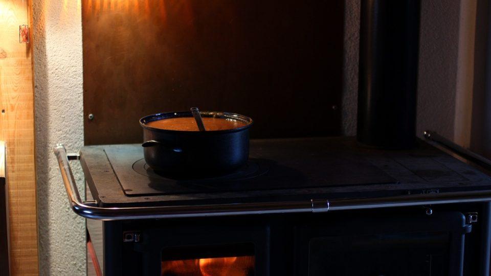 Polévka pro všechny na plotně ve Svatojánském Újezdu