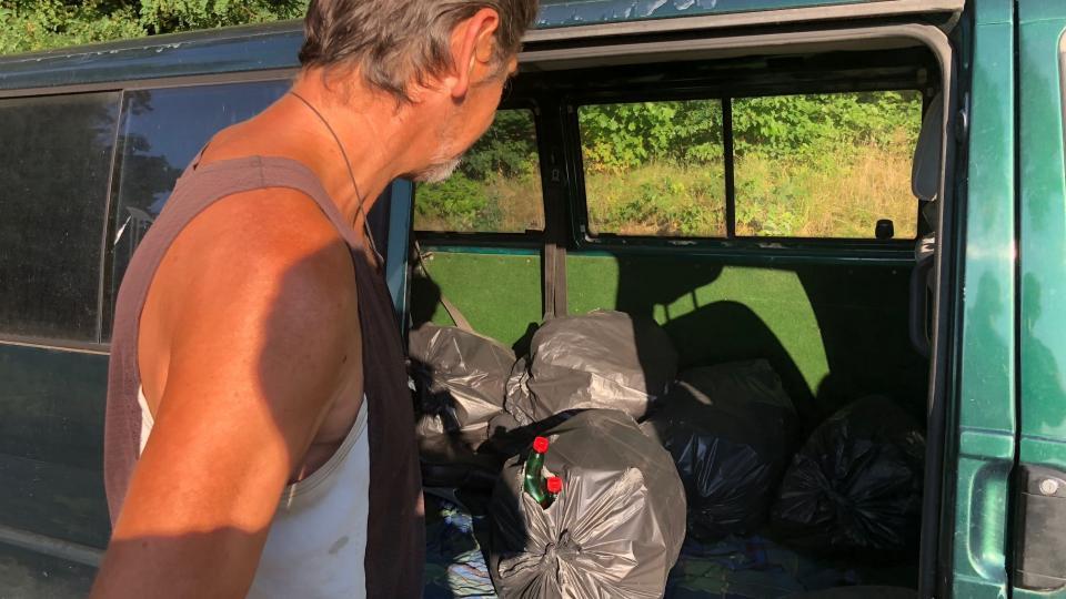 Odpadkové koše vyváží z královéhradeckých městských lesů dvakrát týdně Václav Kutík