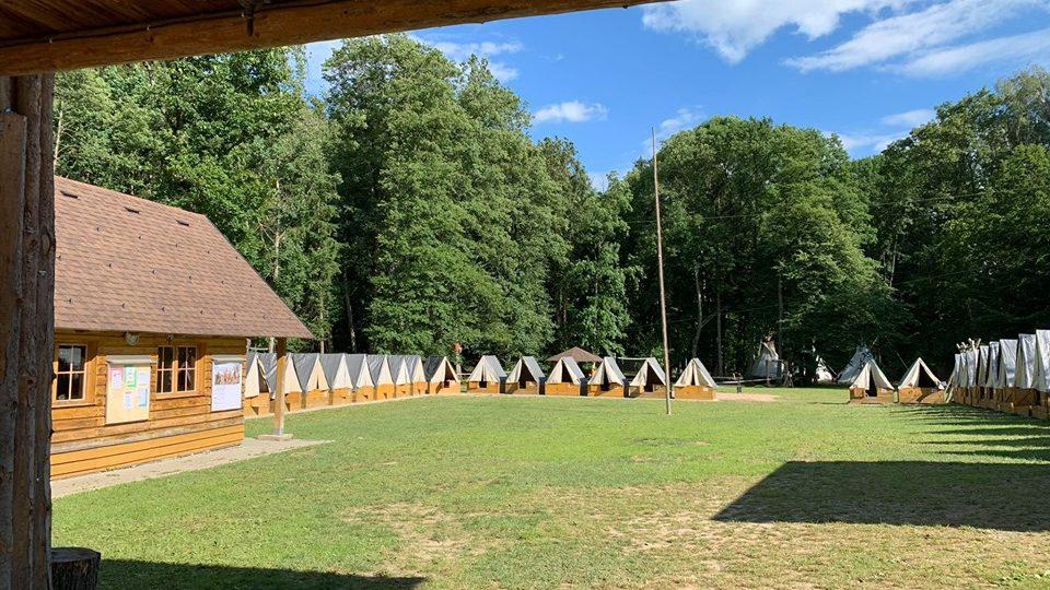 Letní tábor ve Vlčkovicích v Podkrkonoší s letošní indiánskou tématikou