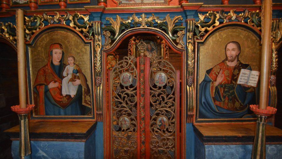 Unikátní dřevěný kostel sv. Mikuláše v Jiráskových sadech v Hradci Králové