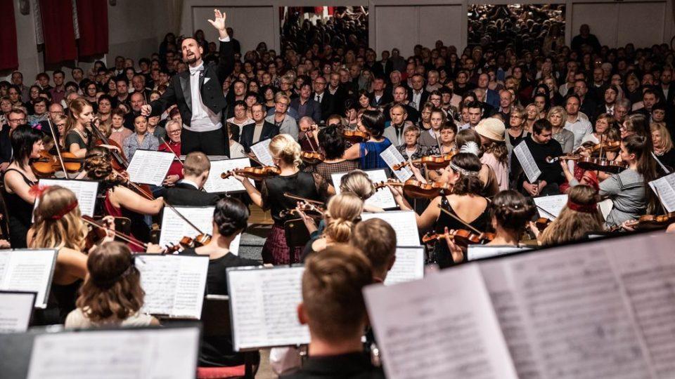 Novoměstská filharmonie odehrála v neděli 25. listopadu 2018  k výročí 100 let založení Československa koncert v Novém Městě nad Metují