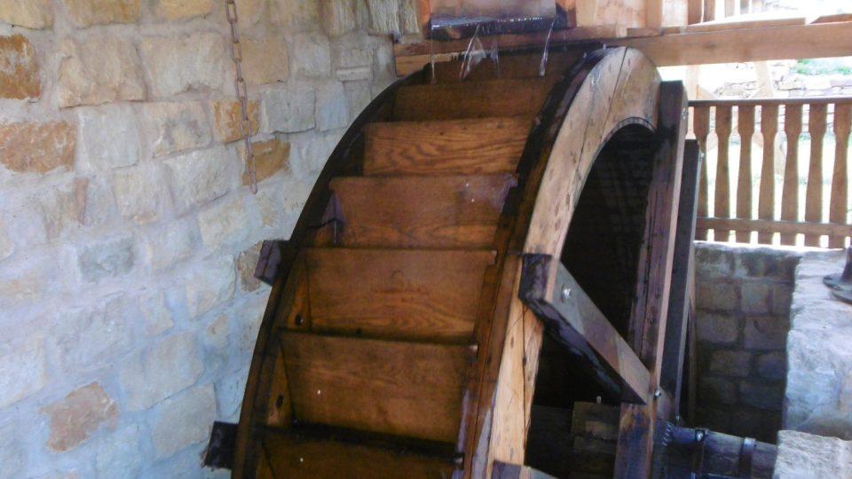 Vodní mlýn v Podorlickém skanzenu v Krňovicích