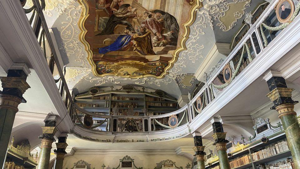 Knihovna v klášteře Broumov, Libri prohibity tam mají v prvním patře
