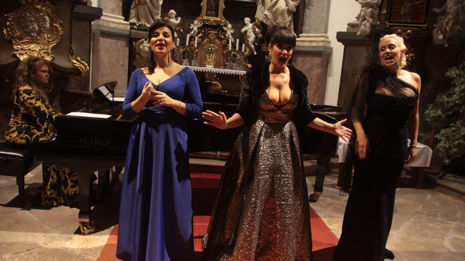 Dámské trio Opera Divas pokřtilo své první společné album s názvem Kouzelná noc