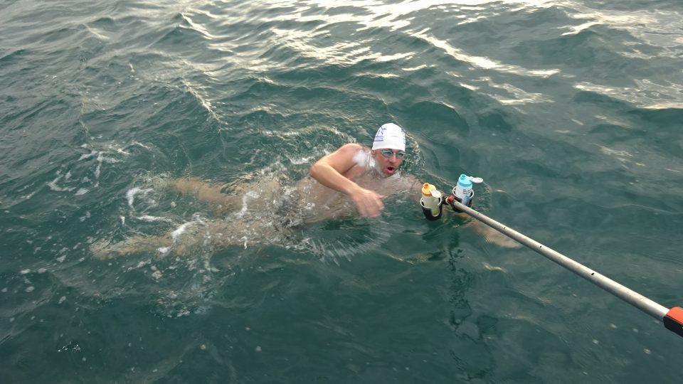 Dálkový plavec Michal Slanina z Jičína zdolal kanál La Manche