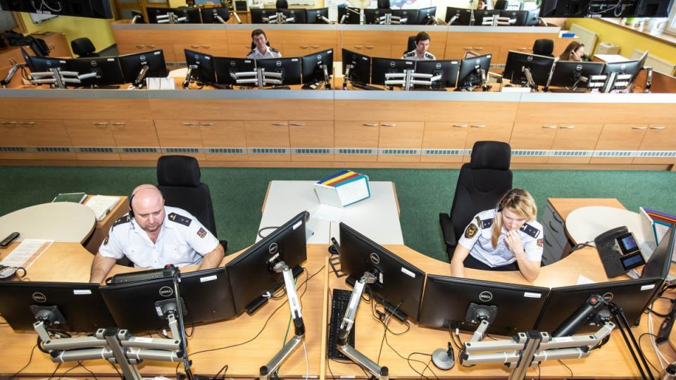 Představujeme vám práci operátorů krajského operačního informační střediska HZS Královéhradeckého kraje