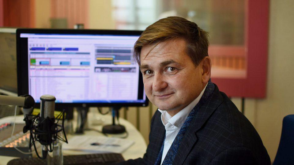Martin Červíček ve studiu Českého rozhlasu Hradec Králové