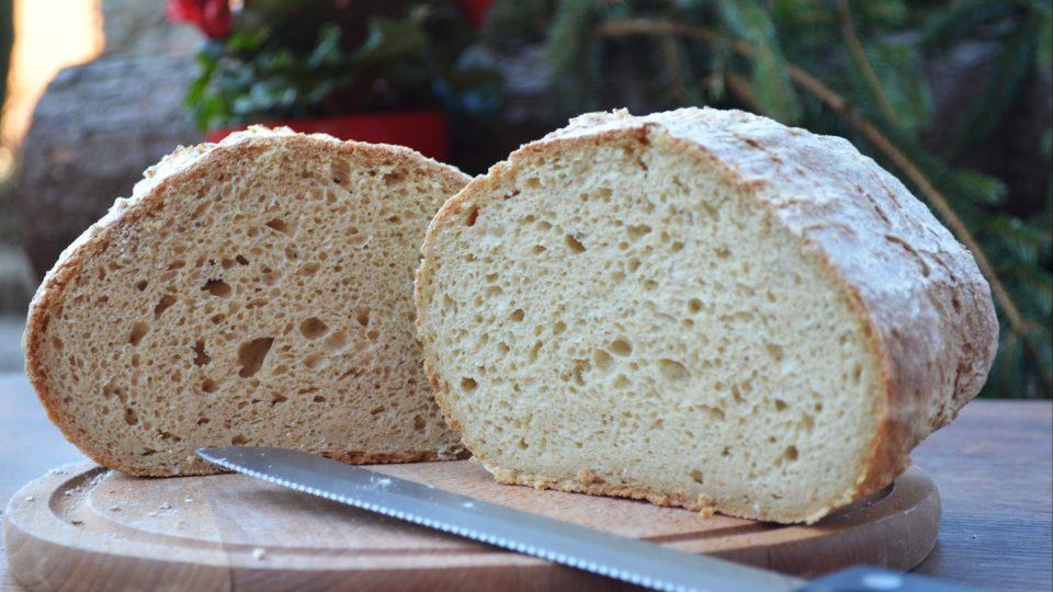 Kváskový chleba z ošatky