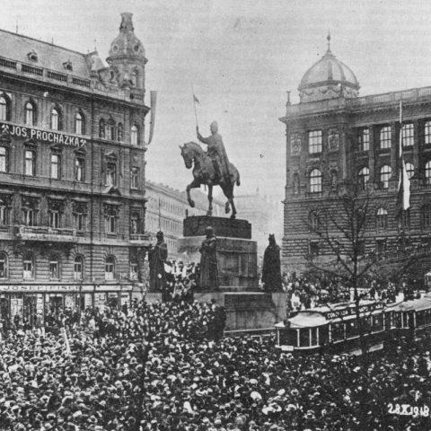 Manifestace pražského lidu na Václavském náměstí 28. října 1918