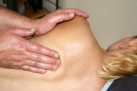 Fyzioterapie, masáž (ilustrační foto)