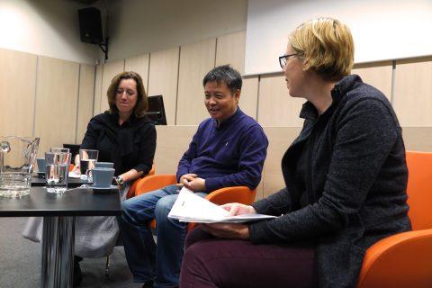 Čínský spisovatel Jü Chua na autorském čtení v Moravské zemské knihovně