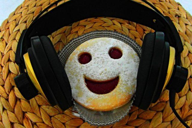 Úsměv a rozhlasová sluchátka | foto: Milan Baják,  Český rozhlas